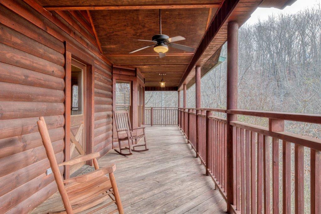 Photo of a Pigeon Forge Cabin named Country Living - This is the twenty-fifth photo in the set.