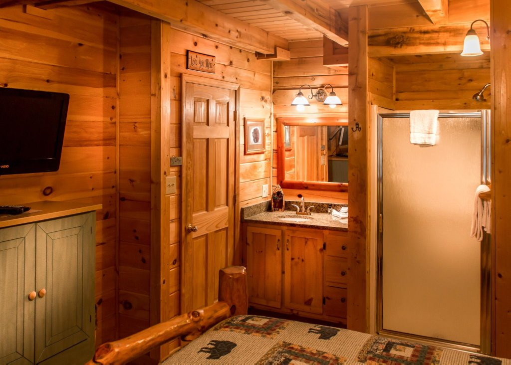 Photo of a Sevierville Cabin named Bearfoot Inn #35 - This is the twenty-first photo in the set.