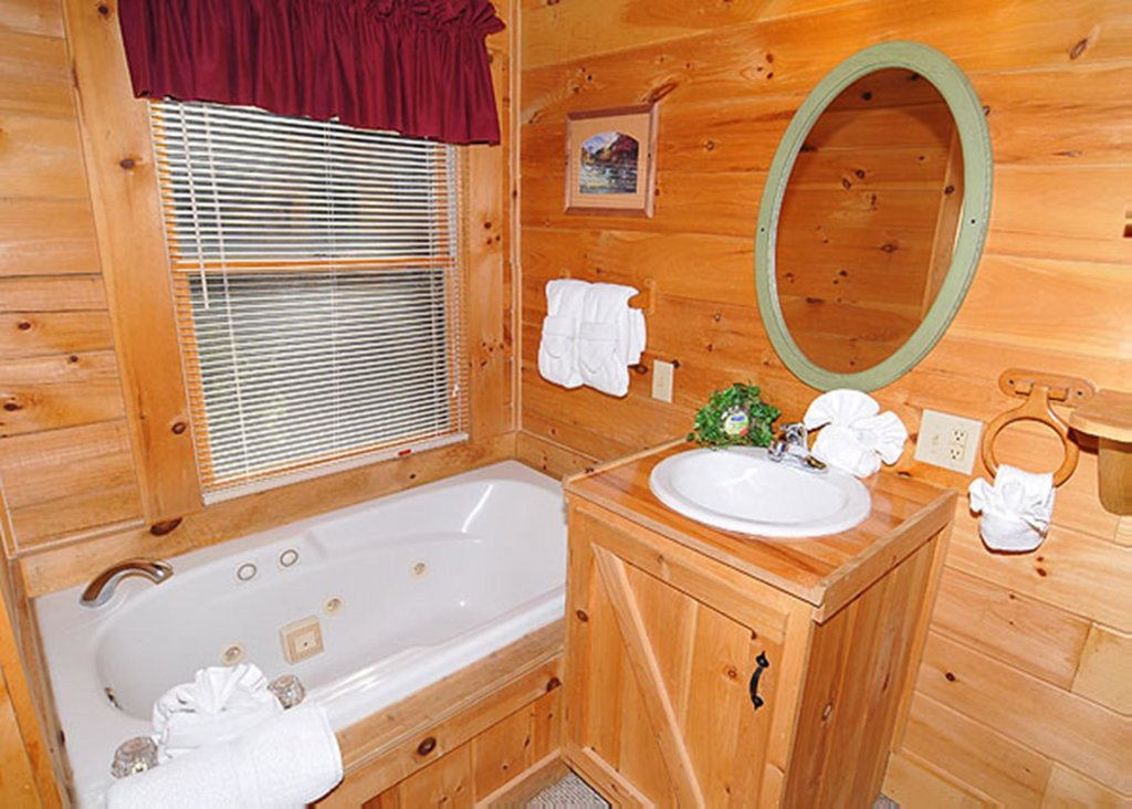Photo of a Sevierville Cabin named Good Times 34 - This is the seventh photo in the set.