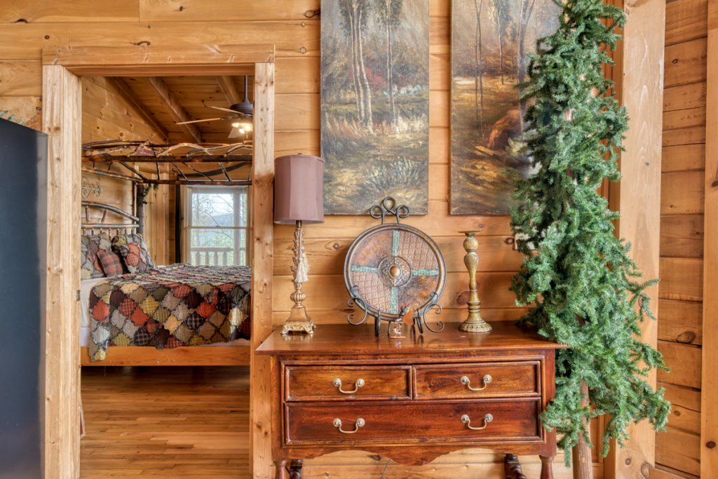 Photo of a Sevierville Cabin named Livin The Dream #44 - This is the fifteenth photo in the set.