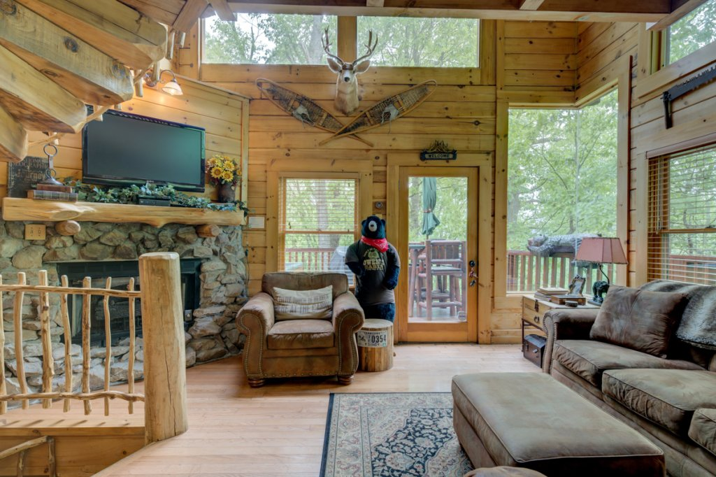 Photo of a Sevierville Cabin named Higher Ground #21 - This is the first photo in the set.