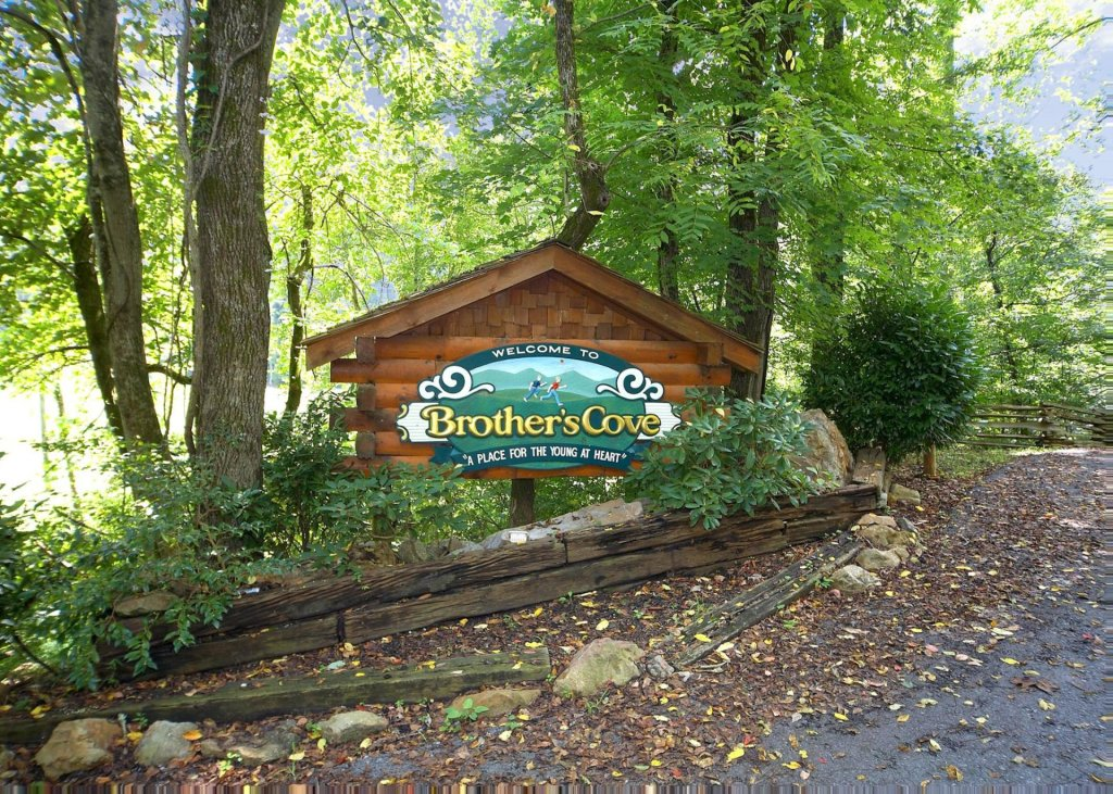 Photo of a Sevierville Cabin named Highland Lodge 61 - This is the thirty-sixth photo in the set.