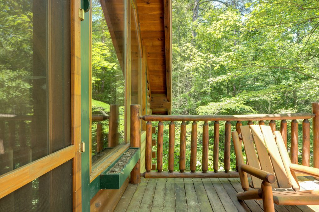 Photo of a Sevierville Cabin named In The Pines #13 - This is the fifteenth photo in the set.