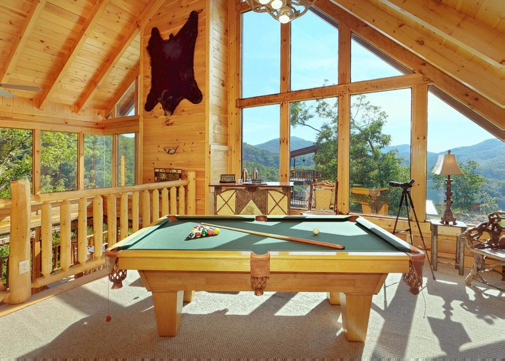 Photo of a Sevierville Cabin named Brown Bear Lodge #49 - This is the second photo in the set.
