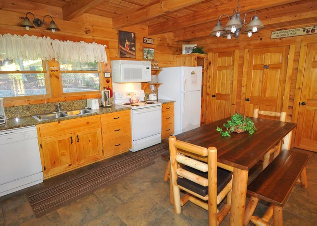 Photo of a Sevierville Cabin named Good Times 34 - This is the fourteenth photo in the set.