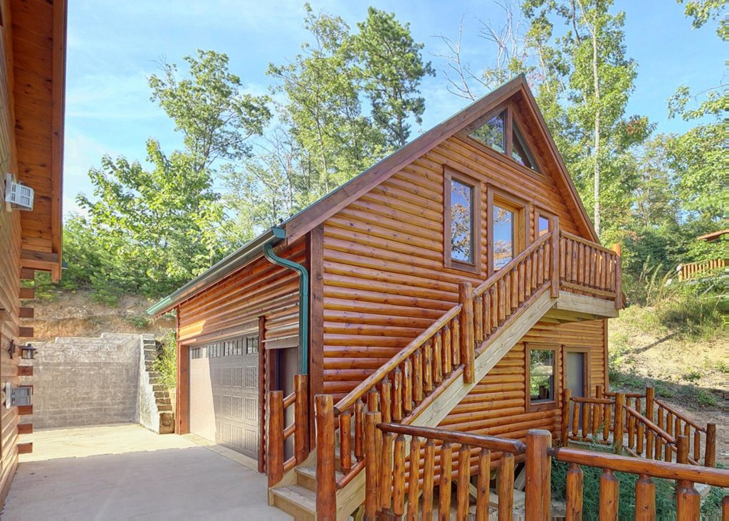 Photo of a Sevierville Cabin named Brown Bear Lodge #49 - This is the nineteenth photo in the set.