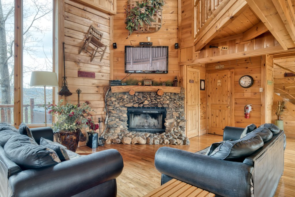 Photo of a Sevierville Cabin named Livin The Dream #44 - This is the fourth photo in the set.