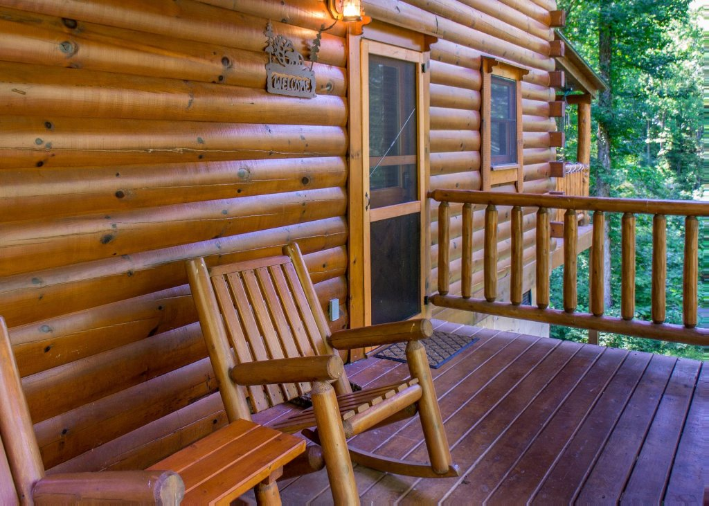 Photo of a Sevierville Cabin named Bearfoot Inn #35 - This is the twenty-fifth photo in the set.