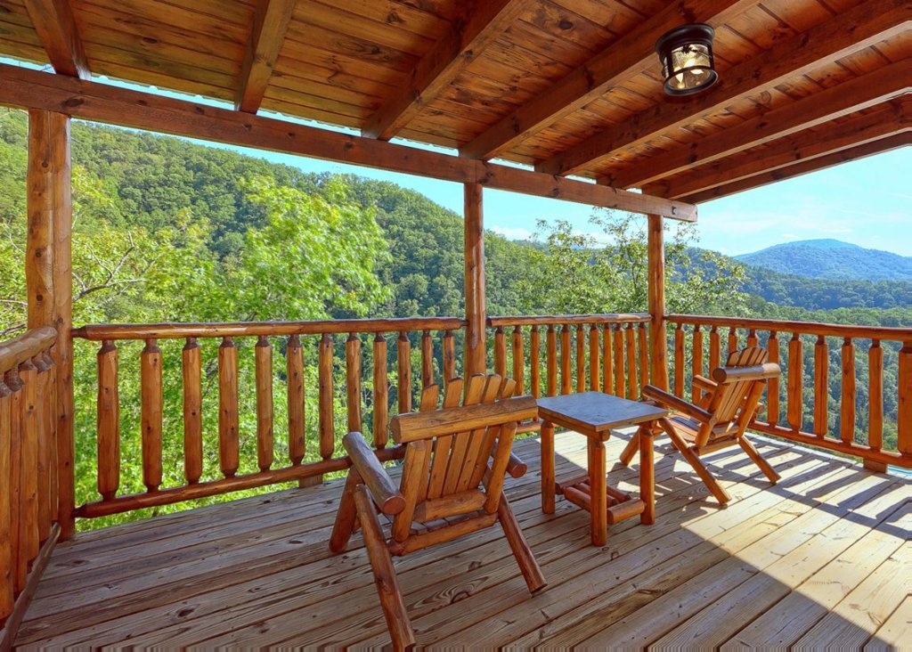 Photo of a Sevierville Cabin named Brown Bear Lodge #49 - This is the third photo in the set.