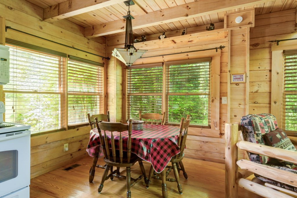 Photo of a Sevierville Cabin named In The Pines #13 - This is the fifth photo in the set.
