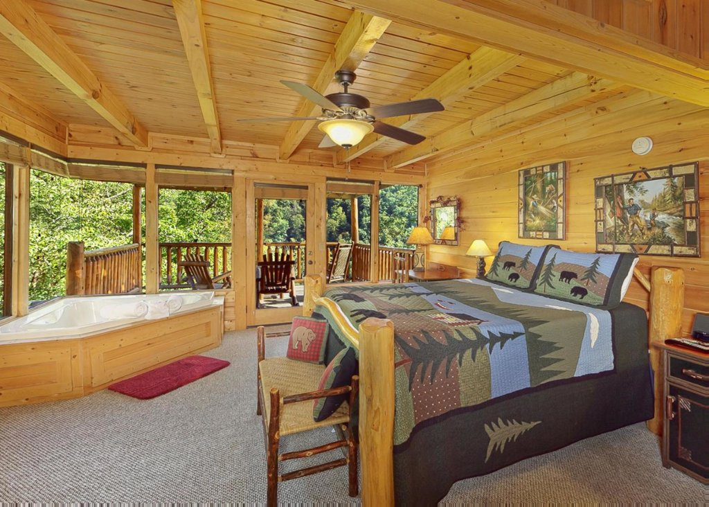 Photo of a Sevierville Cabin named Brown Bear Lodge #49 - This is the tenth photo in the set.