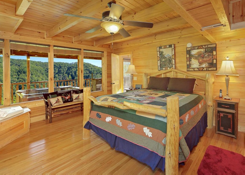 Photo of a Sevierville Cabin named Brown Bear Lodge #49 - This is the ninth photo in the set.