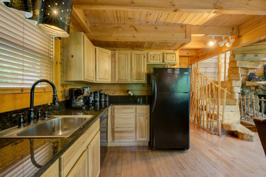 Photo of a Sevierville Cabin named Higher Ground #21 - This is the second photo in the set.