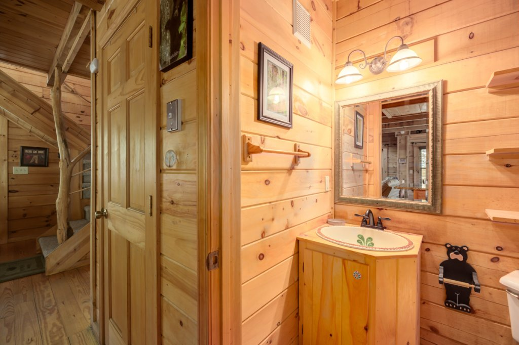 Photo of a Sevierville Cabin named In The Pines #13 - This is the sixth photo in the set.
