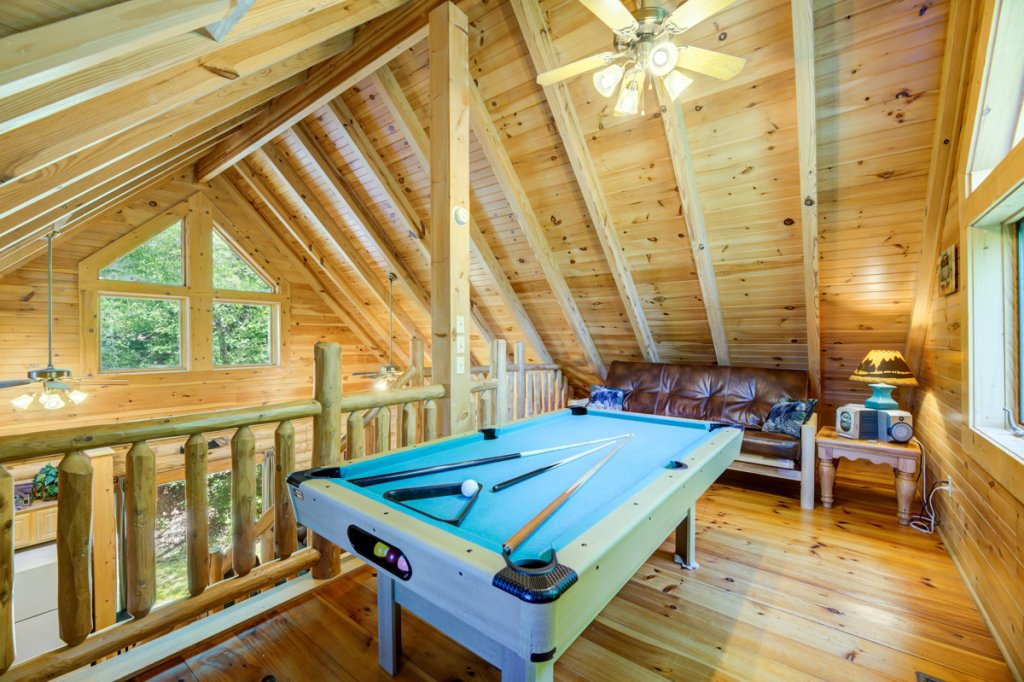 Photo of a Sevierville Cabin named Bear Naked - This is the twelfth photo in the set.