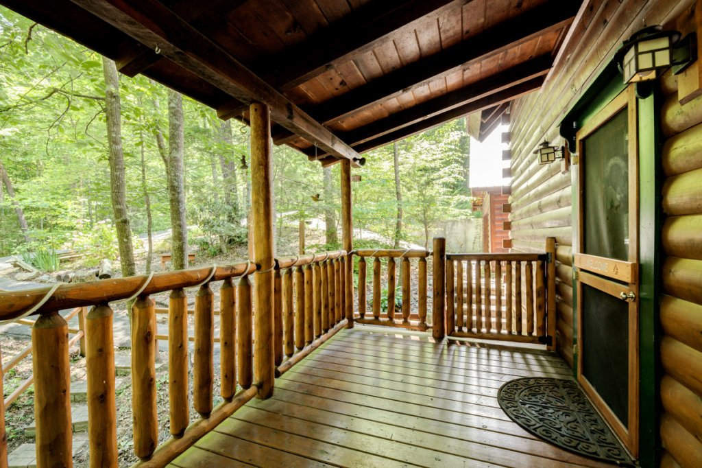 Photo of a Sevierville Cabin named In The Pines #13 - This is the nineteenth photo in the set.