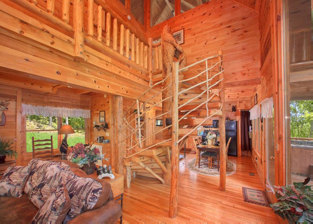 Photo of a Sevierville Cabin named Bear Extraordinaire 28 - This is the second photo in the set.