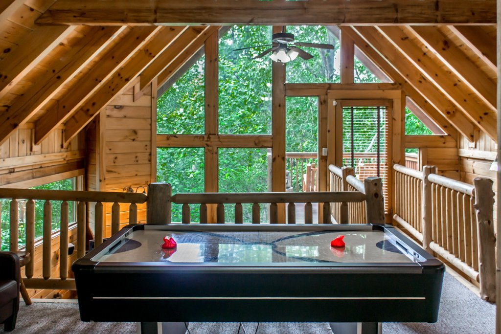 Photo of a Sevierville Cabin named Southern Comfort 22 - This is the first photo in the set.