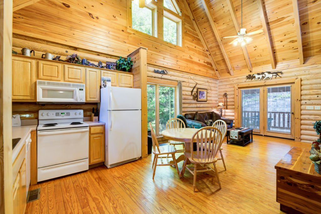 Photo of a Sevierville Cabin named Bear Naked - This is the fourth photo in the set.