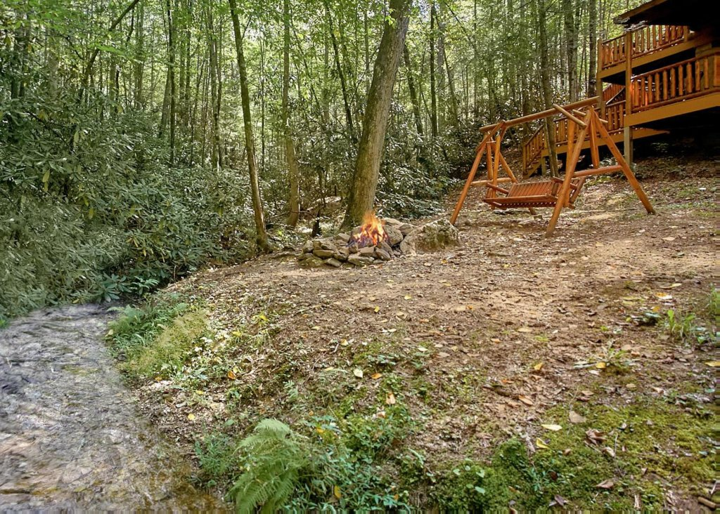 Photo of a Sevierville Cabin named Creekside Oasis #3 - This is the fifteenth photo in the set.