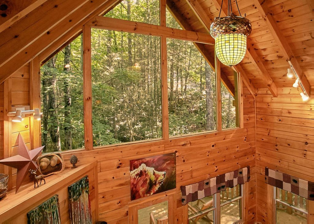 Photo of a Sevierville Cabin named Creekside Oasis #3 - This is the eighth photo in the set.