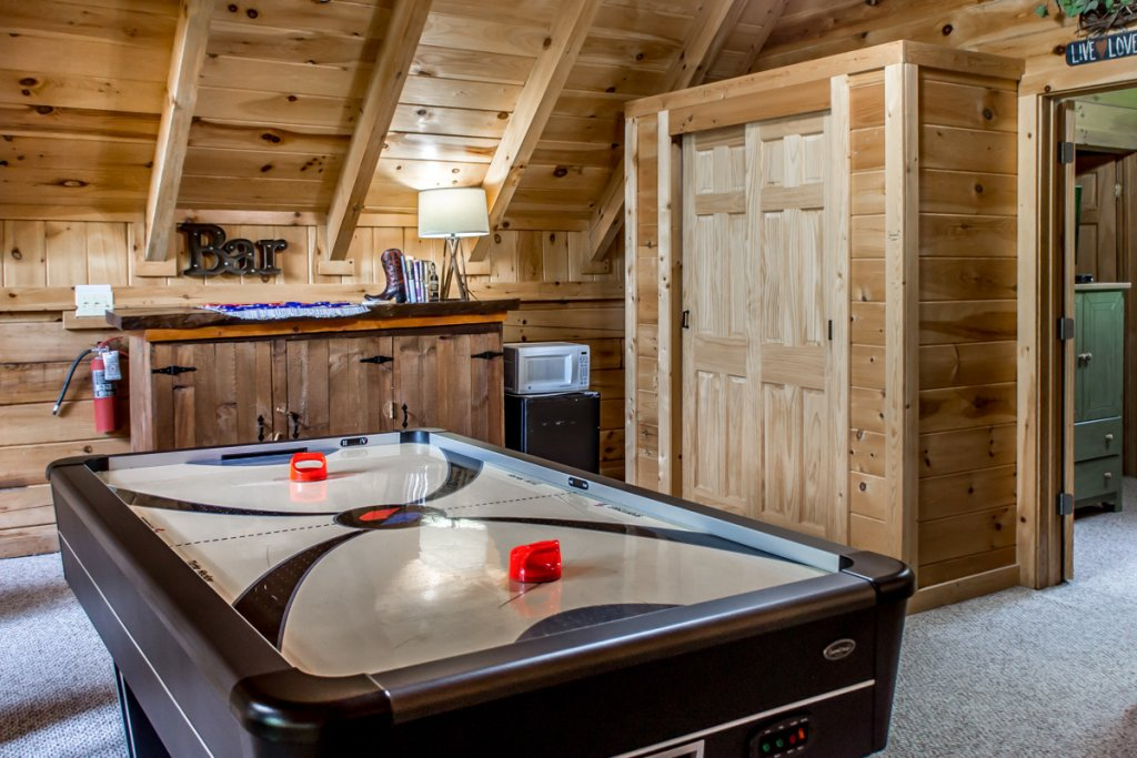 Photo of a Sevierville Cabin named Southern Comfort 22 - This is the seventeenth photo in the set.