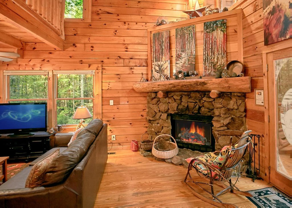 Photo of a Sevierville Cabin named Creekside Oasis #3 - This is the first photo in the set.