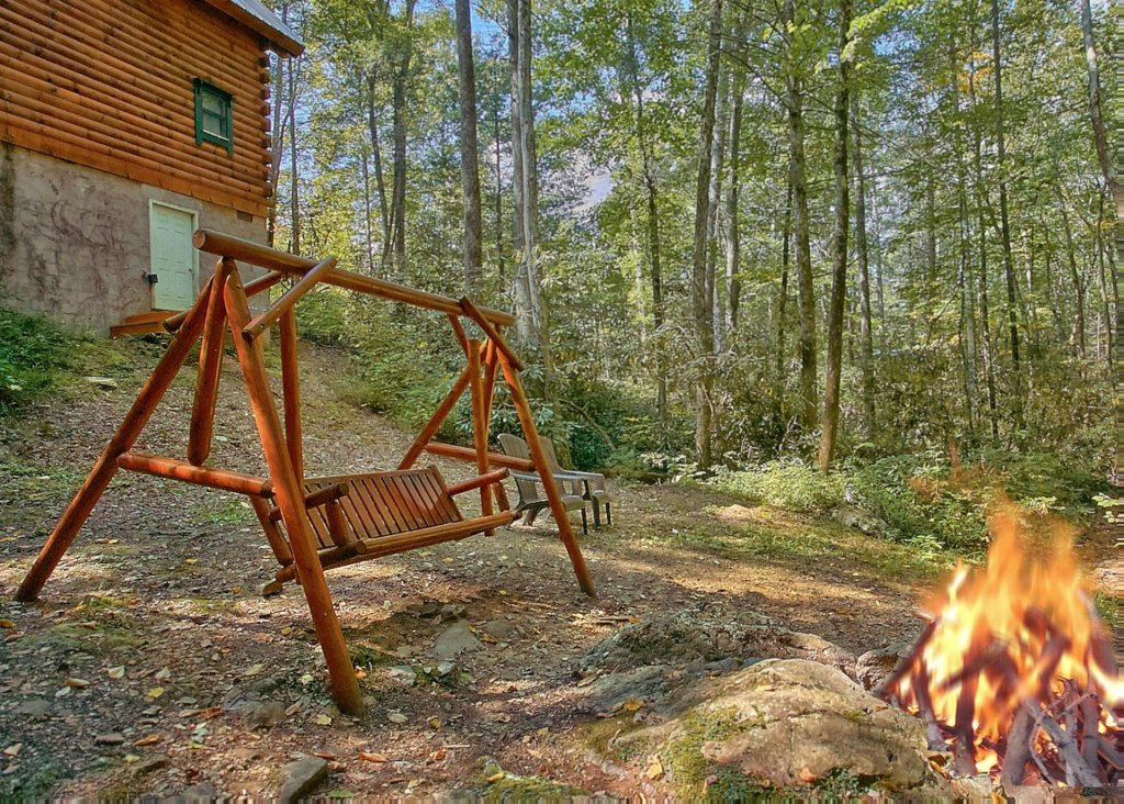 Photo of a Sevierville Cabin named Creekside Oasis #3 - This is the seventeenth photo in the set.
