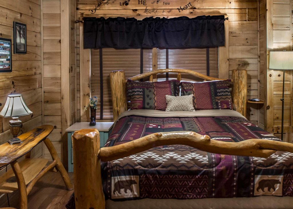 Photo of a Sevierville Cabin named Southern Comfort 22 - This is the twenty-fifth photo in the set.