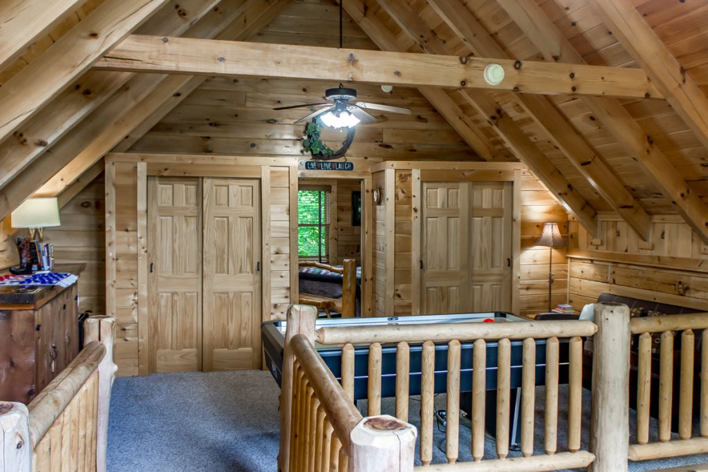 Photo of a Sevierville Cabin named Southern Comfort 22 - This is the nineteenth photo in the set.