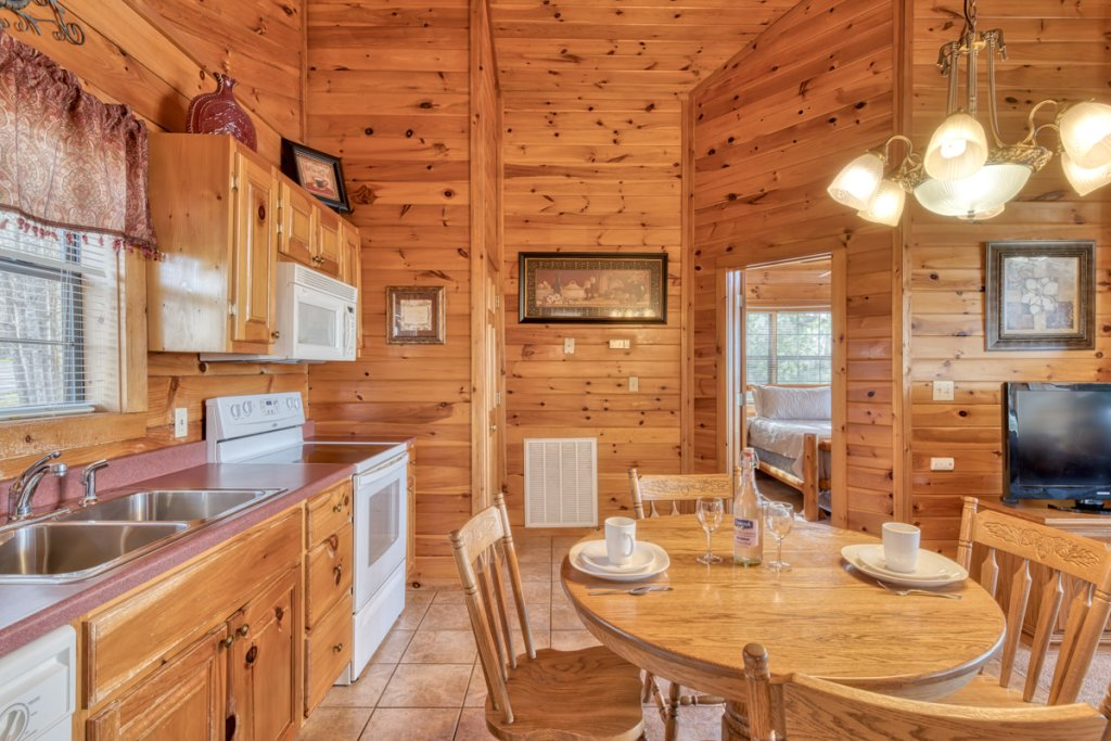 Photo of a Sevierville Cabin named All About Romance - This is the fifth photo in the set.