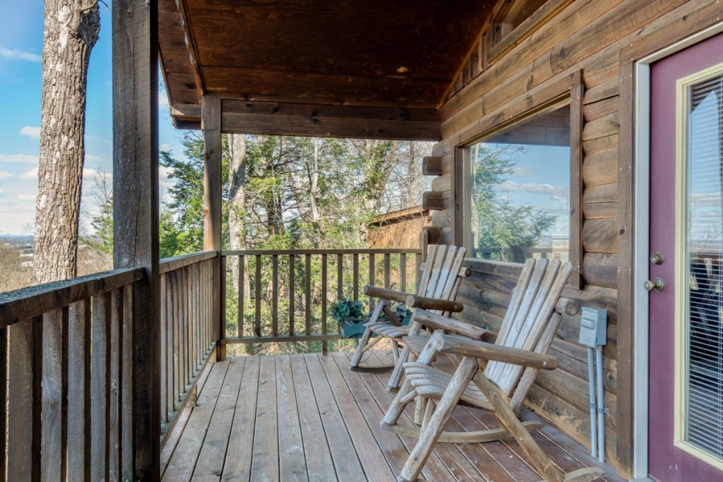 Photo of a Sevierville Cabin named All About Romance - This is the fourteenth photo in the set.