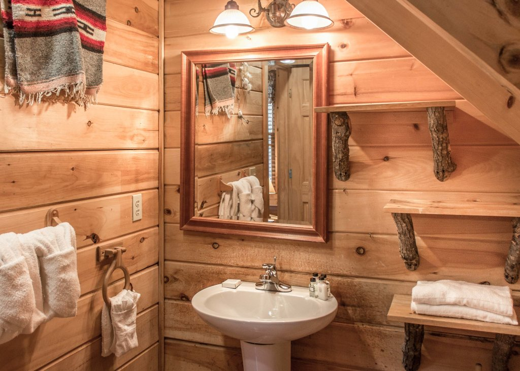 Photo of a Sevierville Cabin named Southern Comfort 22 - This is the twenty-seventh photo in the set.