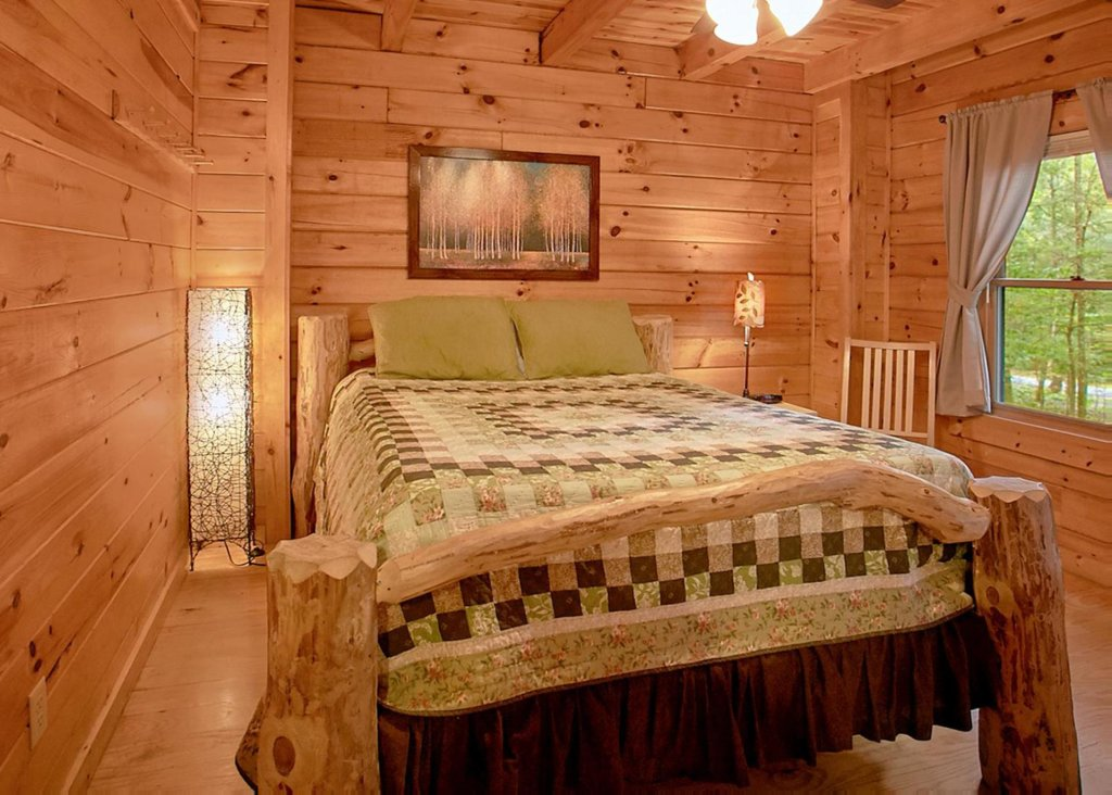 Photo of a Sevierville Cabin named Creekside Oasis #3 - This is the tenth photo in the set.