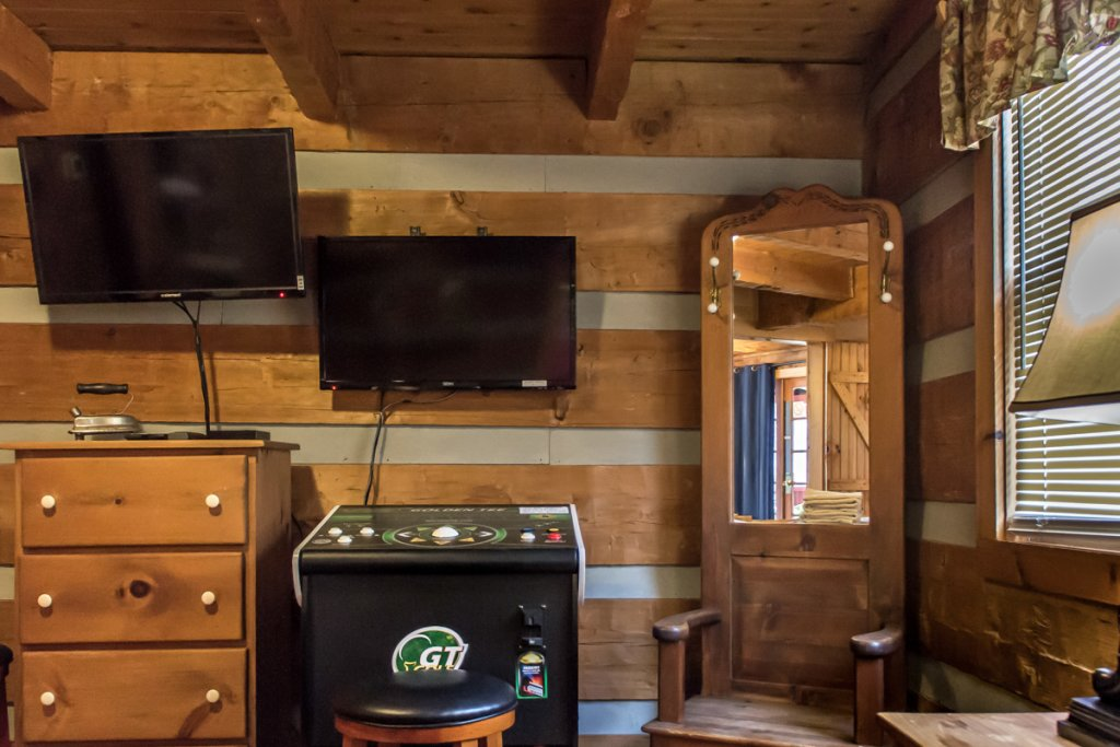 Photo of a Sevierville Cabin named Suits Us - This is the third photo in the set.