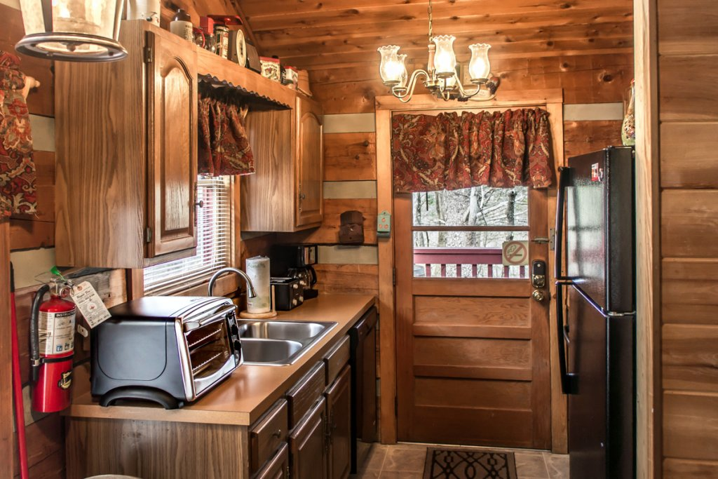 Photo of a Sevierville Cabin named Suits Us - This is the seventeenth photo in the set.