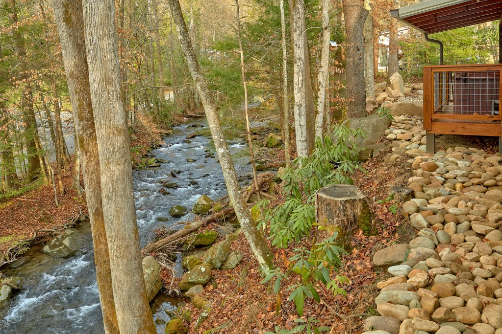 Photo of a Gatlinburg Cabin named Talking Waters - This is the third photo in the set.
