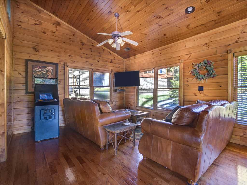 Photo of a Gatlinburg Cabin named Gatlinburg Majesty - This is the eighth photo in the set.