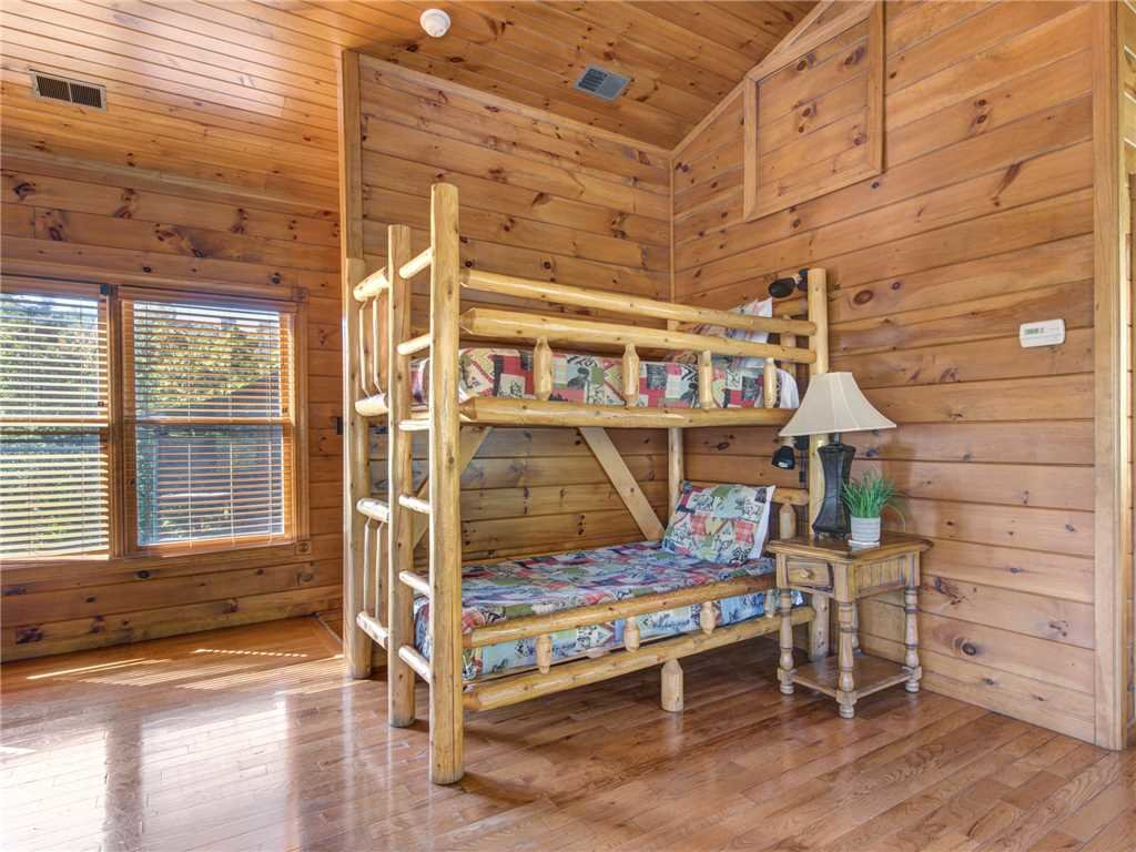 Photo of a Gatlinburg Cabin named Gatlinburg Majesty - This is the twenty-third photo in the set.