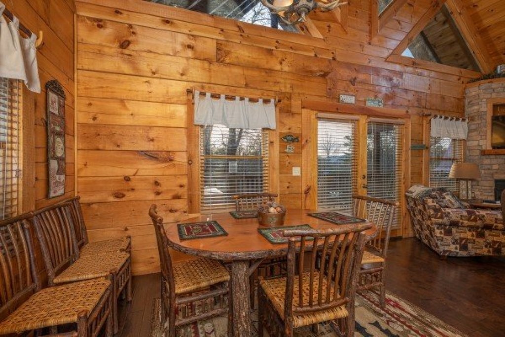 Photo of a Pigeon Forge Cabin named Cold Creek Camp - This is the fourth photo in the set.