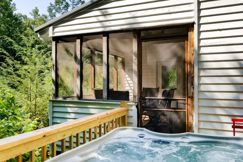 Photo of a Gatlinburg Cabin named Peaceful Getaway - This is the thirty-second photo in the set.