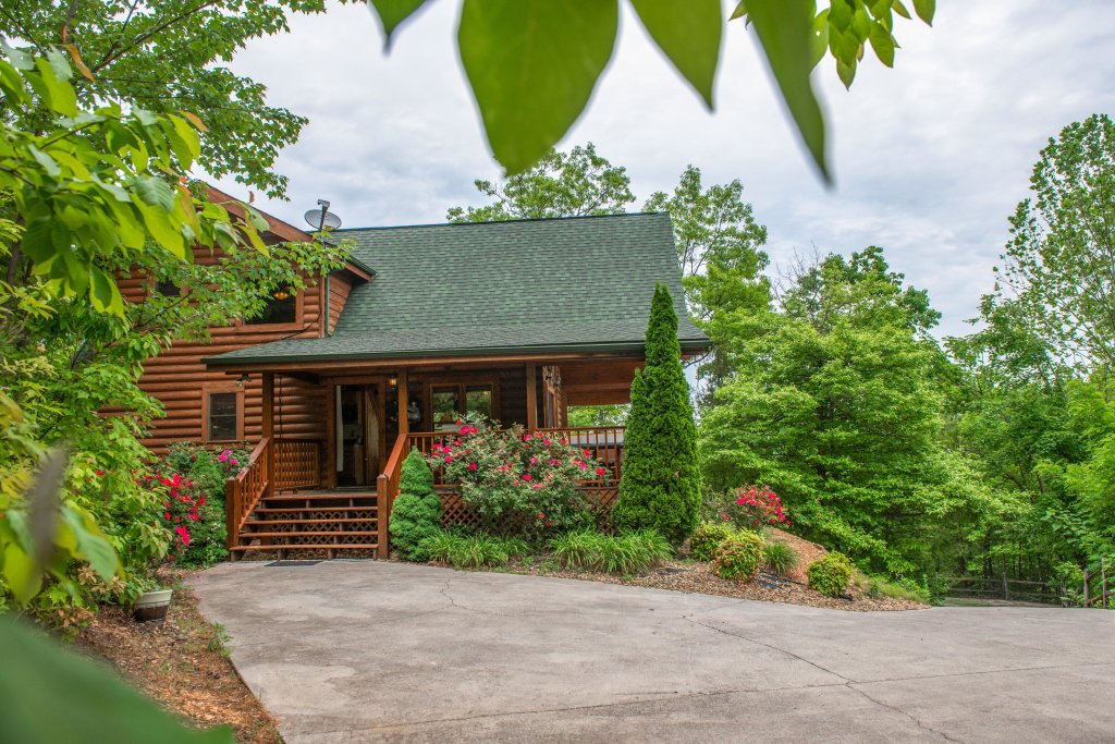 Photo of a Sevierville Cabin named Altitude Adjustment - This is the twenty-sixth photo in the set.