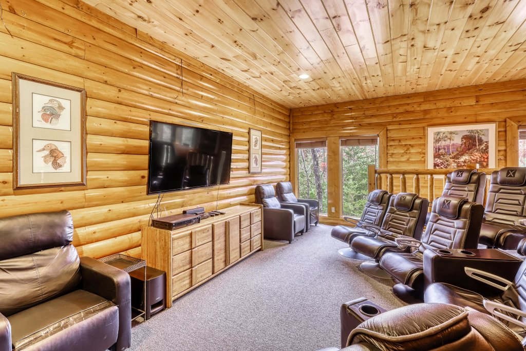 Photo of a Sevierville Cabin named Bit O'honey - This is the eighteenth photo in the set.