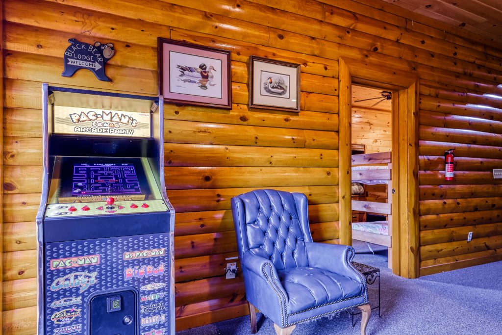Photo of a Sevierville Cabin named Bit O'honey - This is the nineteenth photo in the set.