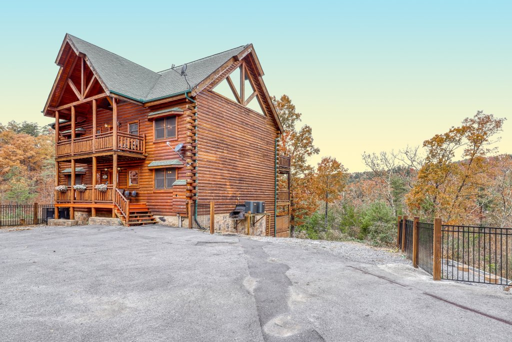 Photo of a Sevierville Cabin named Bit O'honey - This is the forty-fifth photo in the set.
