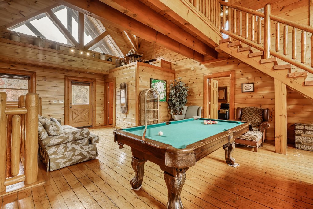 Photo of a Sevierville Cabin named Bit O'honey - This is the forty-third photo in the set.