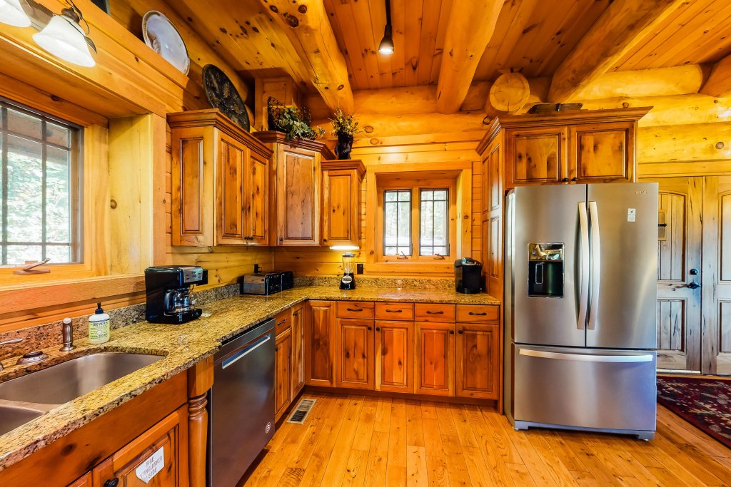 Photo of a Gatlinburg Cabin named Beary Content - This is the thirteenth photo in the set.