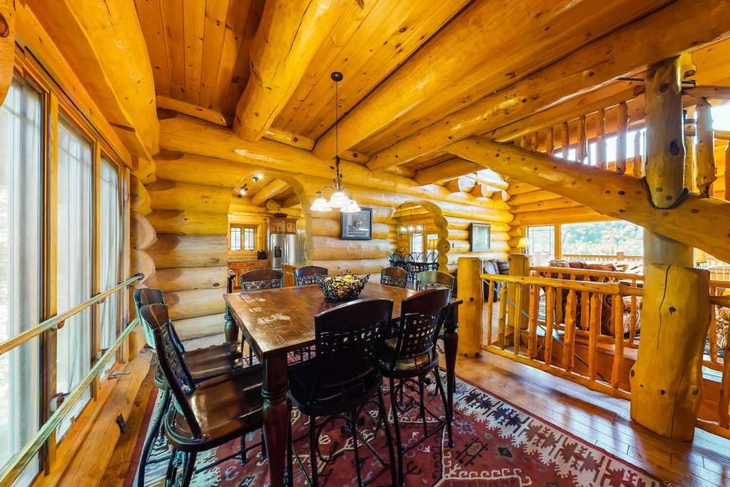 Photo of a Gatlinburg Cabin named Beary Content - This is the sixth photo in the set.
