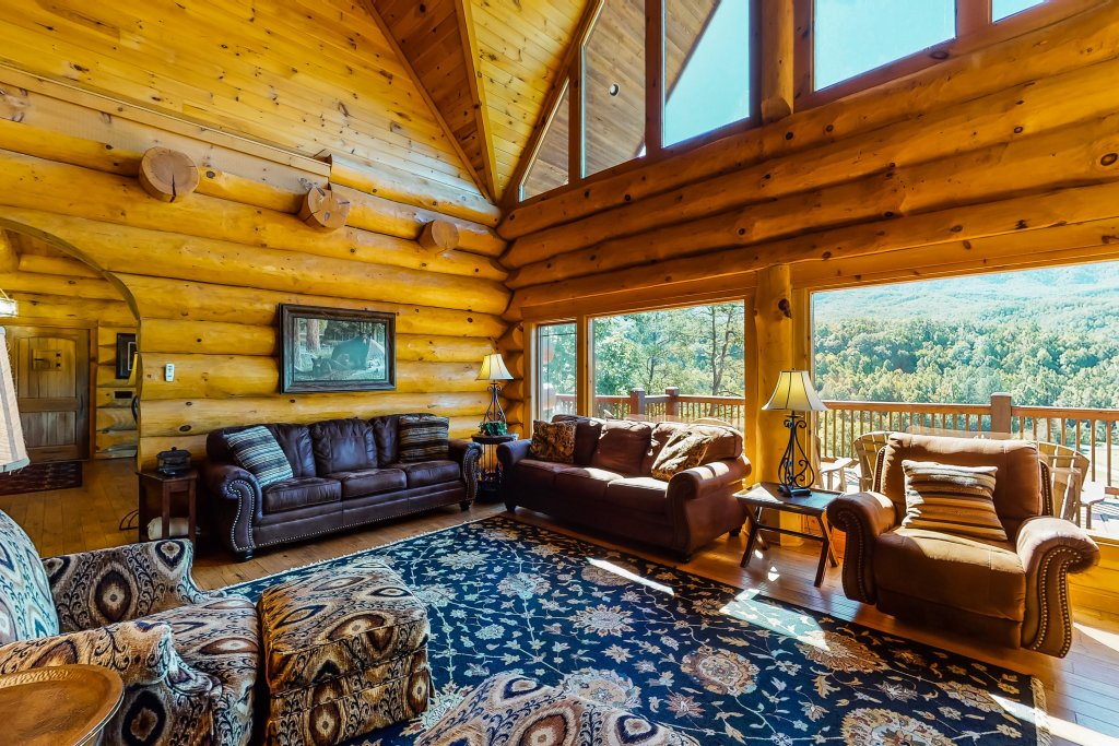 Photo of a Gatlinburg Cabin named Beary Content - This is the first photo in the set.