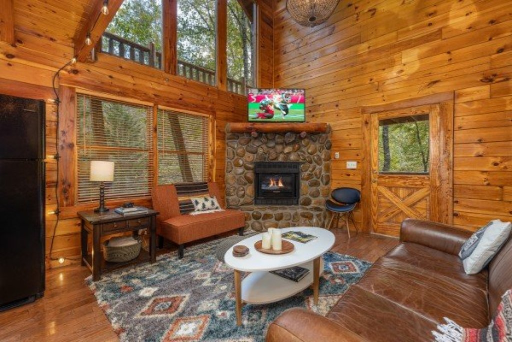 Photo of a Gatlinburg Cabin named Silver Creek Cabin - This is the third photo in the set.